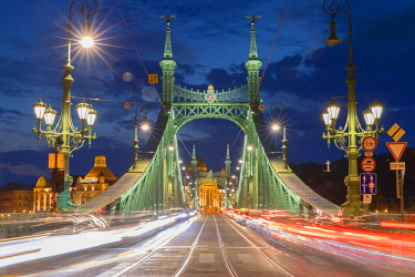 HUN1717AWRF Szabadsag Bridge at dusk, Budapest, Hungary