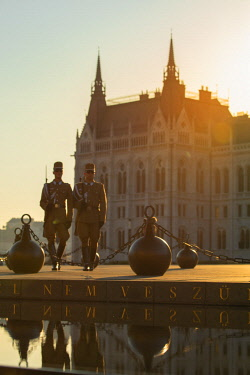 HUN1620AW Soldiers on duty outside Hungarian Parliament Building, Budapest, Hungary