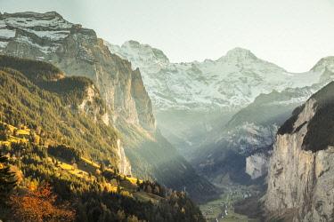 CH02577 Wengen and Lauterbrunnen Valley, Berner Oberland, Switzerland
