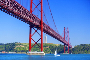 POR10039AWRF 25th April bridge, Lisbon, Portugal,