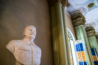 GG01273 Georgia, Gori, Stalin Museum dedicated to former Soviet dictator Joseph Stalin, bust of Stalin