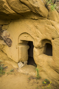 GG01380 Georgia, Southeastern Georgia, Davit Gareja, Davit Gareja Monastery, Udabno Monastery, cave church