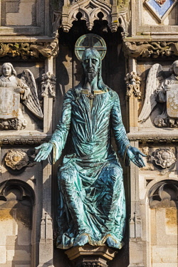 TPX67187 England, Kent, Canterbury, Canterbury Cathedral, Bronze Figure of Christ On Cathedral Gateway, Sculptured by Klaus Ringwald 1990