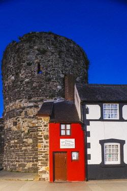 TPX67509 Wales, Gwynedd, Conwy, Smallest House in Britain