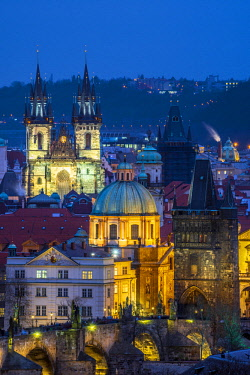 CZ069RF Czech Republic, Prague, Old Town, Stare Mesto, including Charles Bridge (Karluv Most) and Church of Our Lady Before Tyn
