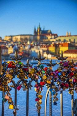 CZ01510 Czech Republic, Prague, Mala Strana and Prague Castle across River Vlatava, Love Locks