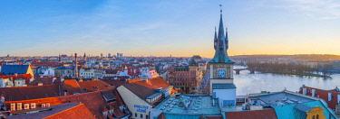 CZ01528 Czech Republic, Prague, Old Town, Stare Mesto, Old Town Water Tower, Staromestska vodarna, River Vlatava