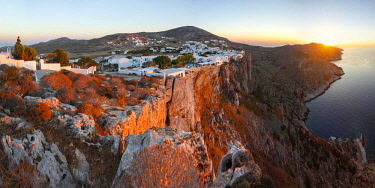 GRE1690AW Chora bilt on the Cliff, Folegandros, Cyclades, Greece