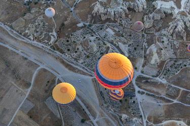 TUR1009 Turkey, Cappadocia, Goreme, Hotair ballooning at dawn