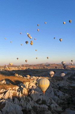 TUR1013 Turkey, Cappadocia, Goreme, Hotair ballooning at dawn