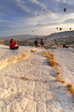 TUR1025 Turkey, Cappadocia, Goreme, Hotair ballooning at dawn