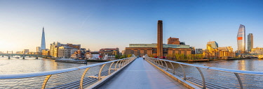 UK11630 UK, England, London, Southwark, Tate Modern from Millennium Bridge over River Thames
