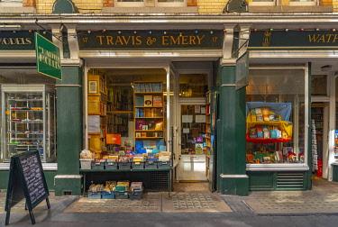 UK11649 UK, England, London, West End, Cecil Court, Bookshops