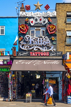 UK11657 UK, England, London, Camden, Camden High Street