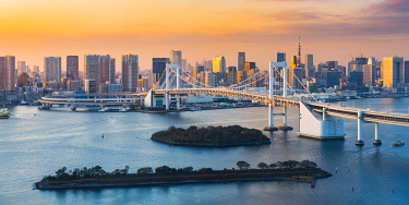 JAP1587AWRF Rainbow Bridge and Tokyo Bay, Odaiba, Tokyo, Kanto region, Japan.