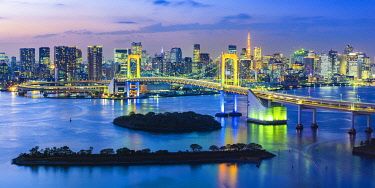 JAP1555AW Rainbow Bridge and Tokyo Bay, Odaiba, Tokyo, Kanto region, Japan.