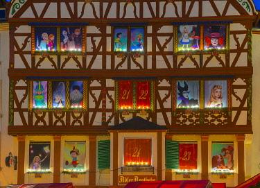 GER11537AW Half-timbered house with Advent calendar decoration, Bernkastel-Kues, Rhineland-Palatinate, Germany
