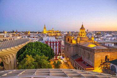 SPA8649AW Spain, Andalusia, Sevilla, The Metropol Parasol in Plaza de la Encarnacion, better known as Las Setas
