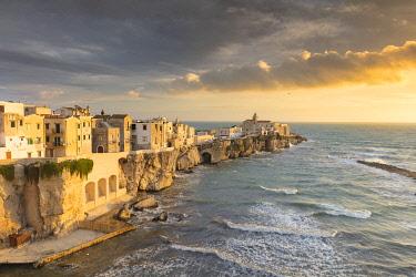 ITA13496AW Italy, Apulia (Puglia), Mediterranean sea, Adriatic sea, Adriatic Coast, Foggia district, Gargano, Vieste