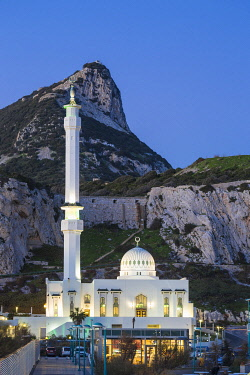 GB01168 Gibraltar, Europa Point, Mosque of the Two custodians infront of the Rock of Gibraltar