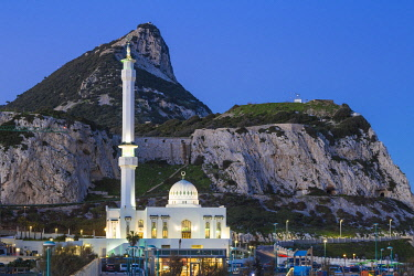 GB01169 Gibraltar, Europa Point, Mosque of the Two custodians infront of the Rock of Gibraltar