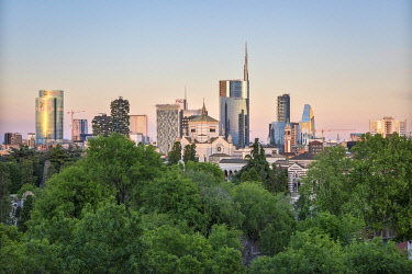 CLKAB97377 Panoramic view of skyline in Milan, Lombardy, Italy