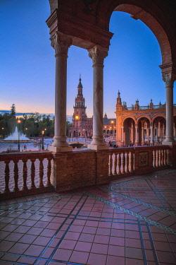 CLKFV99406 Spain, Andalucia, Seville. The Plaza De Espana in Maria Luisa Park