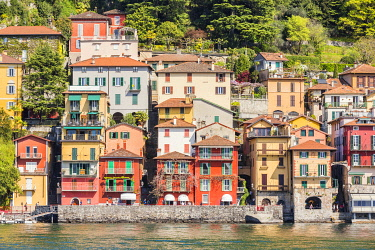 CLKGA94855 Close up of the colourful typical houses of Varenna village on Lake Como, Lecco province, Lombardy, Italy