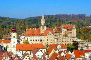 GER11554AW Sigmaringen castle in autumn, Reutlingen, Baden-Württemberg, Germany