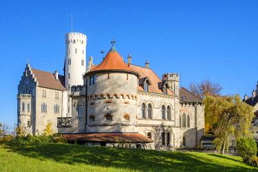 GER11555AW Schloss Lichtenstein castle in autumn, Reutlingen, Baden-Württemberg, Germany