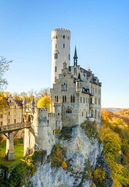 GER11558AW Schloss Lichtenstein castle in autumn, Reutlingen, Baden-Württemberg, Germany