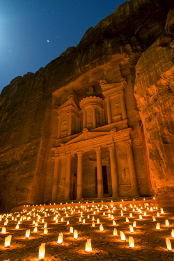 JOR0542AW Jordan, Ma'an Governorate, Petra. UNESCO World Heritage Site. Al-Khazneh Treasury at night.