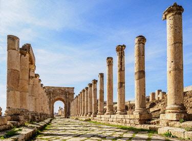 JOR0802AW Colonnaded Street or Cardo, Jerash, Jerash Governorate, Jordan
