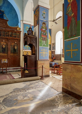 JOR0828AW Madaba Mosaic Map and Greek Orthodox Basilica of Saint George interior, Madaba, Madaba Governorate, Jordan