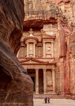 JOR0846AW The Treasury, Al-Khazneh, Petra, Ma'an Governorate, Jordan
