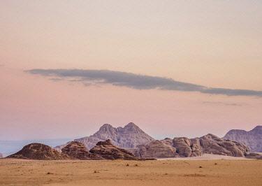 JOR1159AW Wadi Rum at dawn, Aqaba Governorate, Jordan