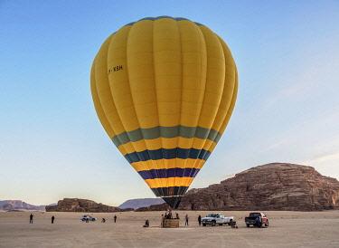 JOR1160AW Balloon at Wadi Rum, Aqaba Governorate, Jordan