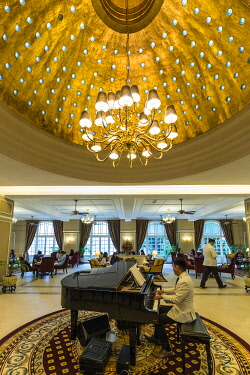 MY01387 Lobby bar in the Majestic Hotel, Kuala Lumpur, Malaysia