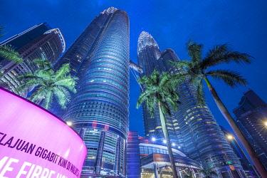 MY01401 Petronas Towers, KLCC, Kuala Lumpur, Malaysia