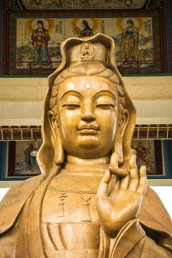 MY02368 Statue of Kuan Yin the Goddess of Mercy, Kek Lok Si Temple, George Town, Penang Island, Malaysia