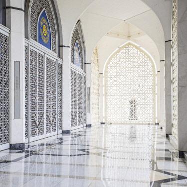 MY02446 State Mosque (Masjid Sultan Salahuddin Abdul Shah Mosque), Selangor, Nr. Kuala Lumpur, Malaysia