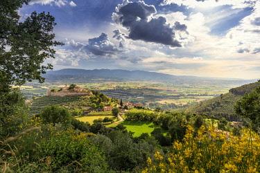 ITA13623AW Italy, Umbria, Perugia district, Campello sul Clitunno. The Castel of Campello Alto