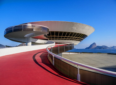 BRA3711AW Niteroi Contemporary Art Museum MAC, Niteroi, State of Rio de Janeiro, Brazil