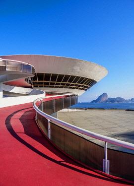 BRA3712AW Niteroi Contemporary Art Museum MAC, Niteroi, State of Rio de Janeiro, Brazil