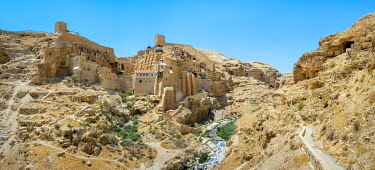 ISR0669AW Palestine, West Bank, Bethlehem Governorate, Al-Ubeidiya. Mar Saba monastery, built into the cliffs of the Kidron Valley in the Judean Desert.