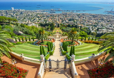 ISR0767AW Israel, Haifa District, Haifa. Upper terraces of the Baha'i Gardens, and the Shrine of the Bab.