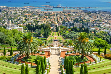 ISR0768AW Israel, Haifa District, Haifa. Upper terraces of the Baha'i Gardens, and the Shrine of the Bab.
