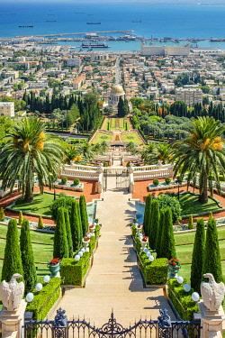 ISR0770AW Israel, Haifa District, Haifa. Upper terraces of the Baha'i Gardens, and the Shrine of the Bab.