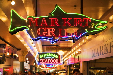 USA14178 USA, Seattle, Pike Place Market.he Market opened August 17, 1907, and is one of the oldest continuously operated public farmers' markets in the United States
