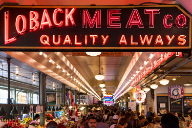 USA14183 USA, Seattle, Pike Place Market. the Market opened August 17, 1907, and is one of the oldest continuously operated public farmers' markets in the United States